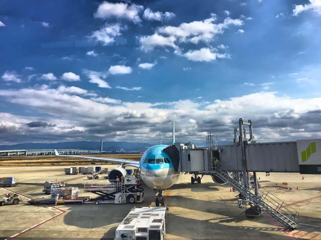 transport ładunków między lotniskami