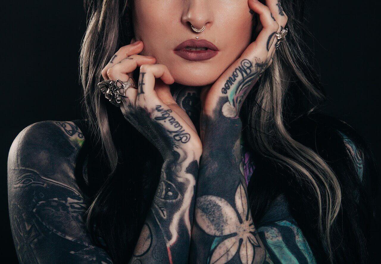 świeży Tatuaż Jak Dbać I Pielęgnować Zachowując Kolory